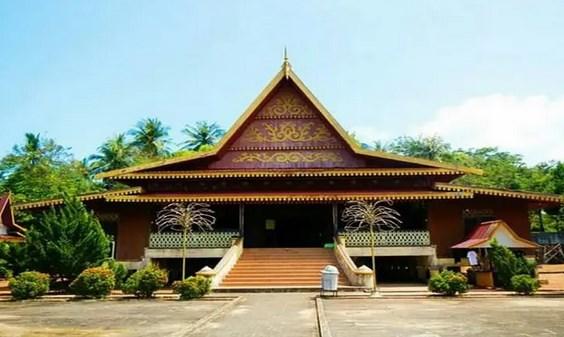 Mengenal-Rumah-Adat-Riau